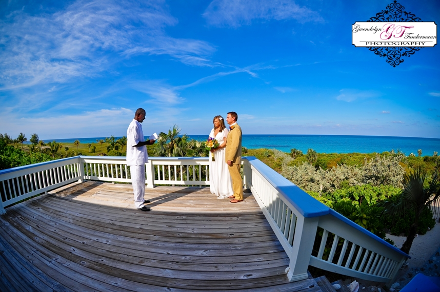 Eleuthera-Bahamas-destination-wedding-photos-07.jpg