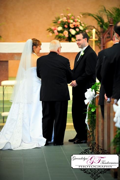 St-Scholastica-Pittsburgh-Wedding-Photos-06.jpg