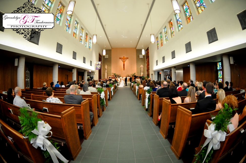 St-Scholastica-Pittsburgh-Wedding-Photos-07.jpg