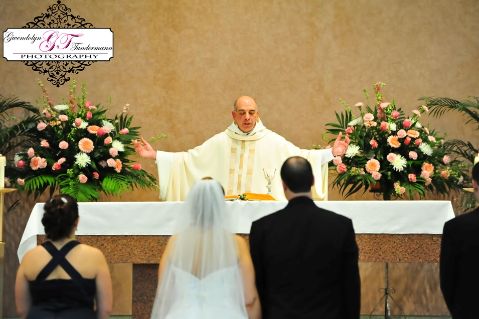 St-Scholastica-Pittsburgh-Wedding-Photos-08.jpg
