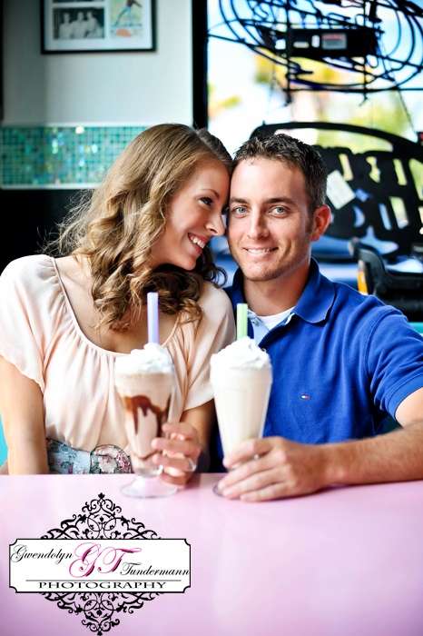 50s-Diner-Engagement-Photos-Jacksonville-01.jpg