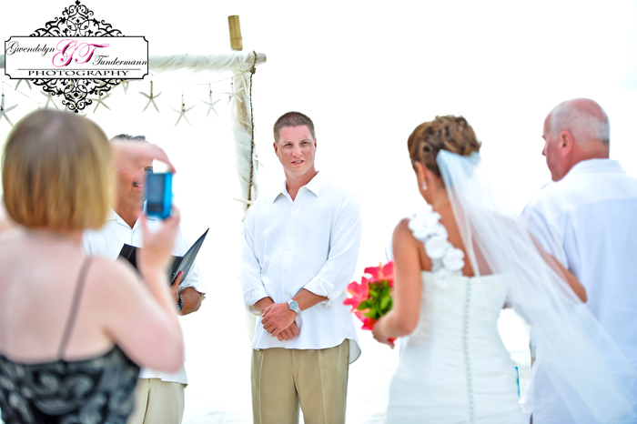 Club-at-Barefoot-Beach-Wedding-Photos-Bonita-Springs-11.jpg