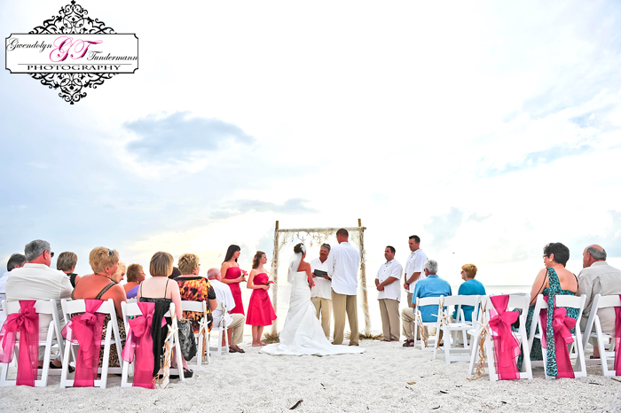 Club-at-Barefoot-Beach-Wedding-Photos-Bonita-Springs-13.jpg