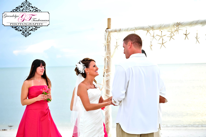 Club-at-Barefoot-Beach-Wedding-Photos-Bonita-Springs-16.jpg