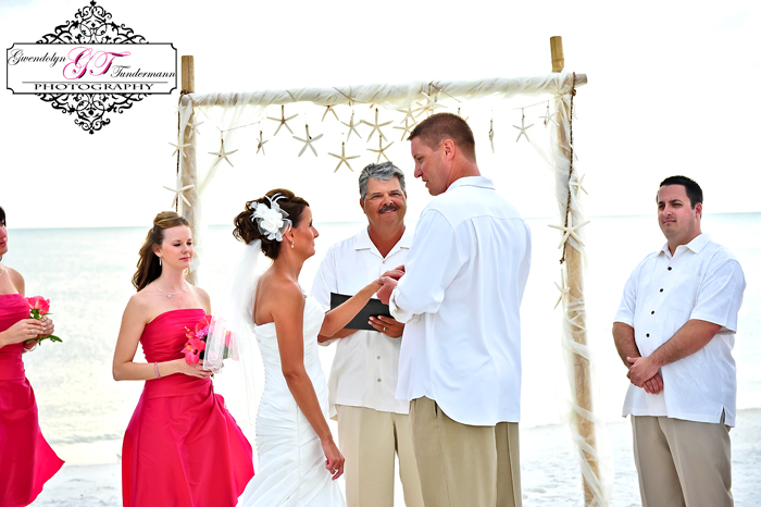 Club-at-Barefoot-Beach-Wedding-Photos-Bonita-Springs-19.jpg