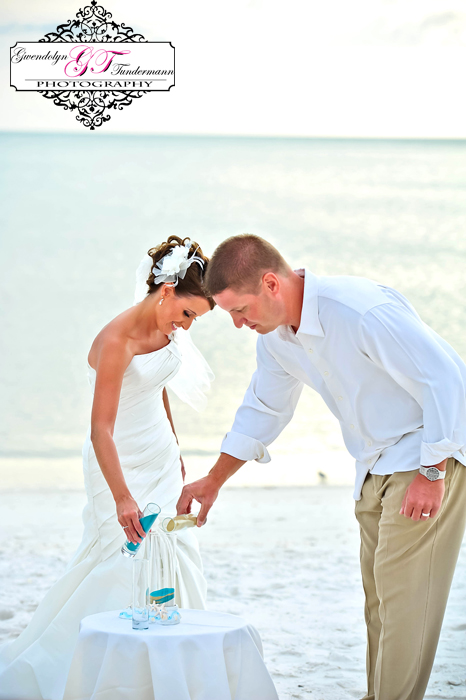 Club-at-Barefoot-Beach-Wedding-Photos-Bonita-Springs-22.jpg