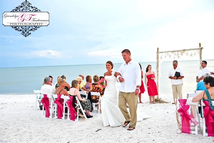 Club-at-Barefoot-Beach-Wedding-Photos-Bonita-Springs-24.jpg