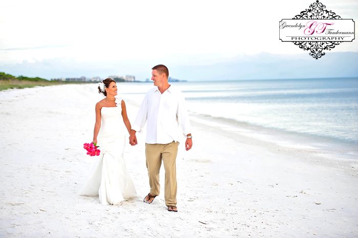 Club-at-Barefoot-Beach-Wedding-Photos-Bonita-Springs-29.jpg