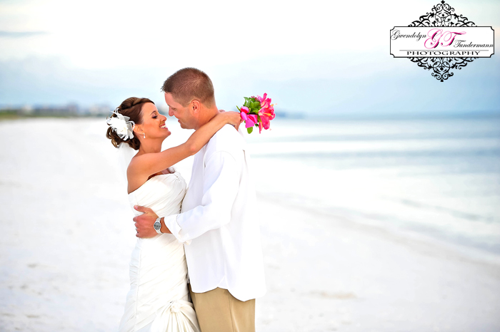 Club-at-Barefoot-Beach-Wedding-Photos-Bonita-Springs-30.jpg