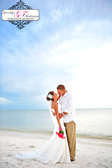 Club-at-Barefoot-Beach-Wedding-Photos-Bonita-Springs-32.jpg