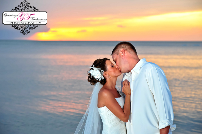 Club-at-Barefoot-Beach-Wedding-Photos-Bonita-Springs-33.jpg