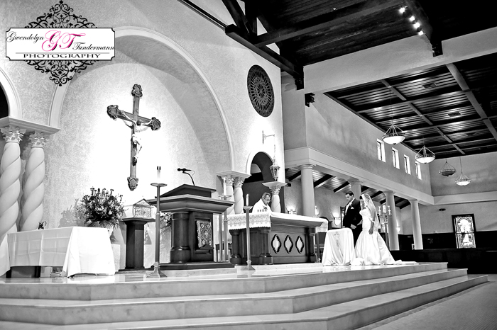 San-Juan-Del-Rio-Catholic-Church-Wedding-Photos-Jacksonville-20.jpg