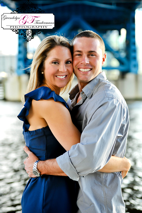 Downtown-Jacksonville-Engagement-Photos-02.jpg