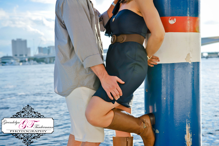 Downtown-Jacksonville-Engagement-Photos-04.jpg