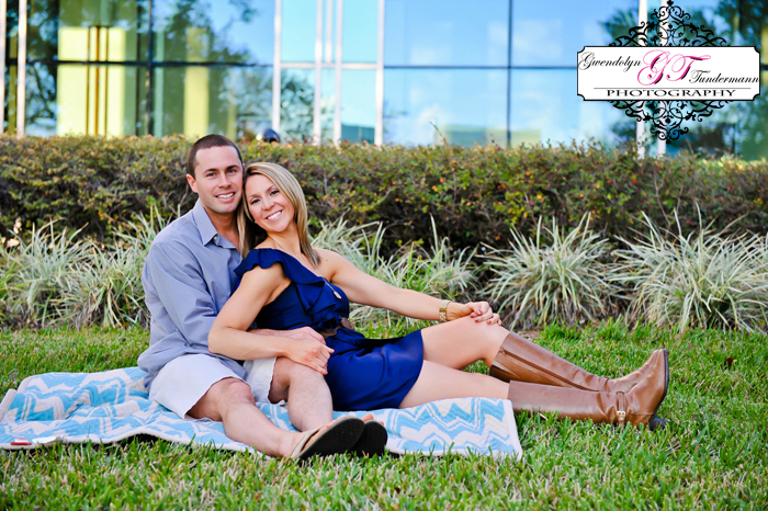 Downtown-Jacksonville-Engagement-Photos-09.jpg