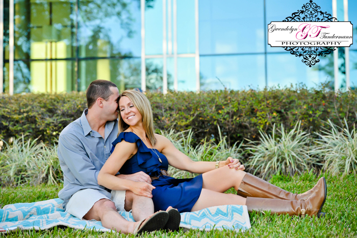 Downtown-Jacksonville-Engagement-Photos-10.jpg
