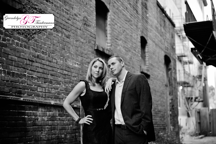 Downtown-Jacksonville-Engagement-Photos-13.jpg