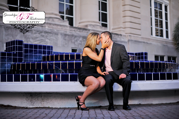 Downtown-Jacksonville-Engagement-Photos-14.jpg