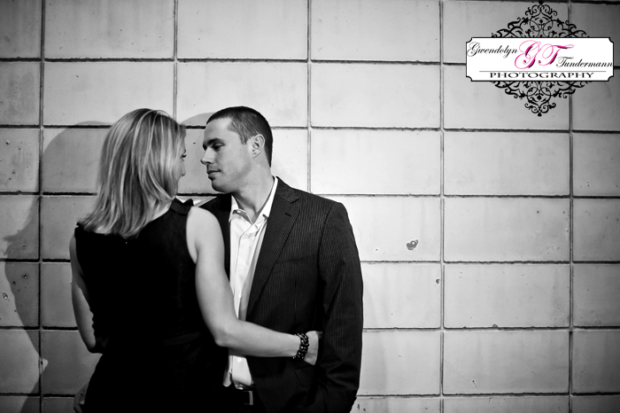 Downtown-Jacksonville-Engagement-Photos-18.jpg