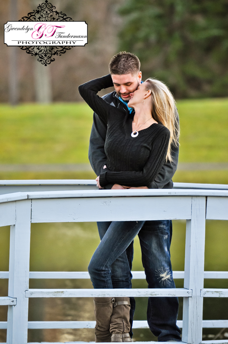 Wesleyan-Hills-Engagement-Photos-11.jpg
