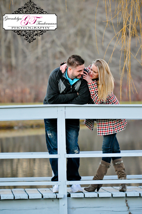 Wesleyan-Hills-Engagement-Photos-15.jpg
