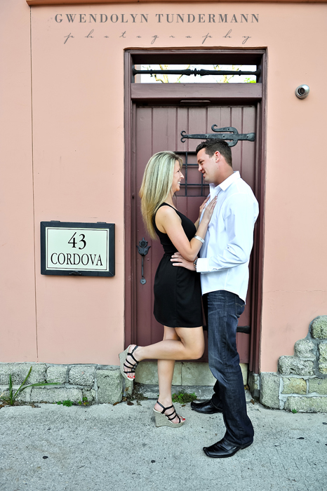 Downtown-St-Augustine-Engagement-Photos-01.jpg