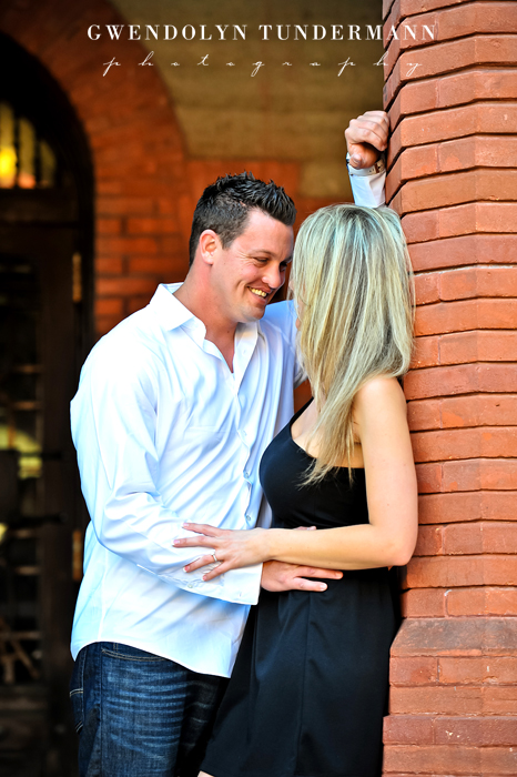 Downtown-St-Augustine-Engagement-Photos-04.jpg