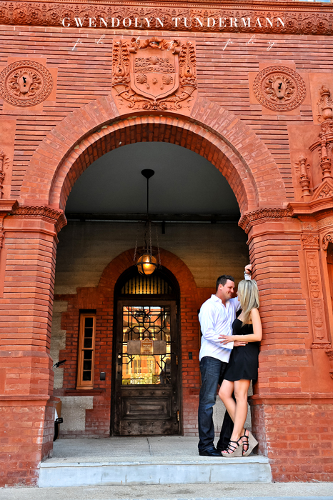 Downtown-St-Augustine-Engagement-Photos-05.jpg