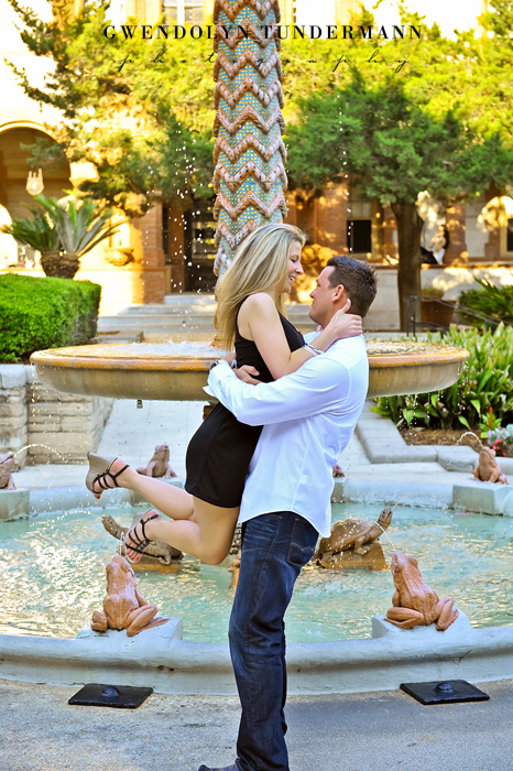 Downtown-St-Augustine-Engagement-Photos-08.jpg