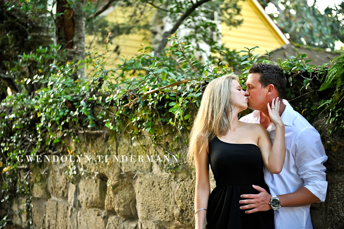 Downtown-St-Augustine-Engagement-Photos-13.jpg