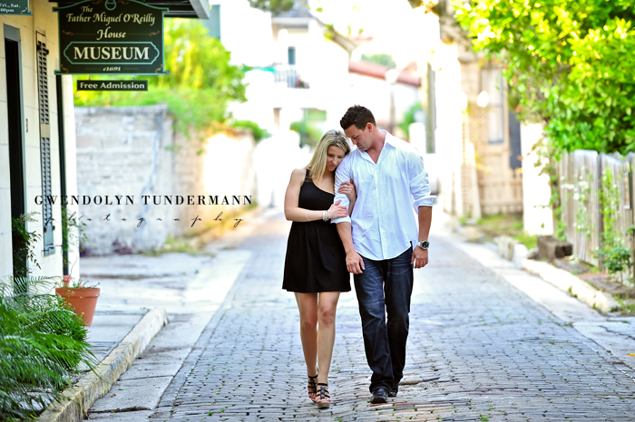 Downtown-St-Augustine-Engagement-Photos-15.jpg