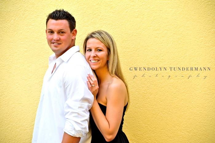Downtown-St-Augustine-Engagement-Photos-16.jpg