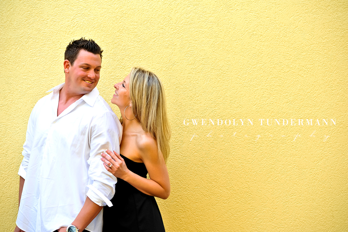 Downtown-St-Augustine-Engagement-Photos-17.jpg