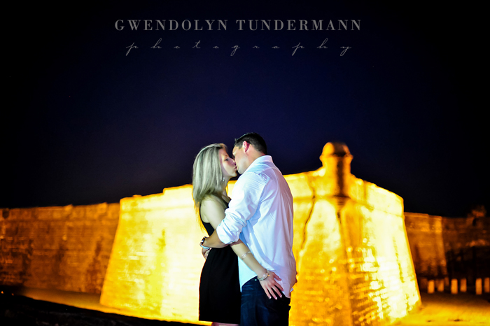 Downtown-St-Augustine-Engagement-Photos-18.jpg
