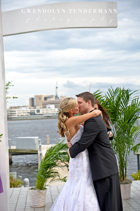 Downtown-Jacksonville-Wedding-Photos-21.jpg