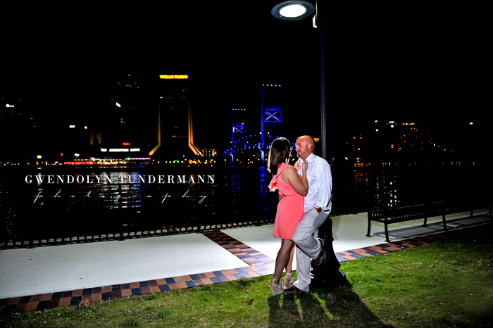 Downtown-Jacksonville-Engagement-Photos-19.jpg