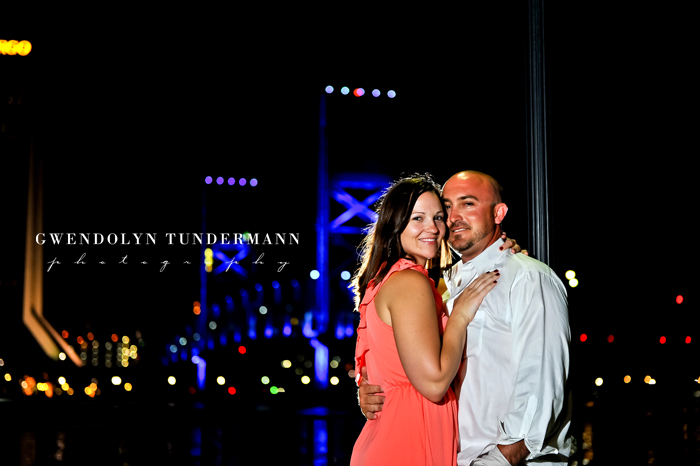 Downtown-Jacksonville-Engagement-Photos-20.jpg