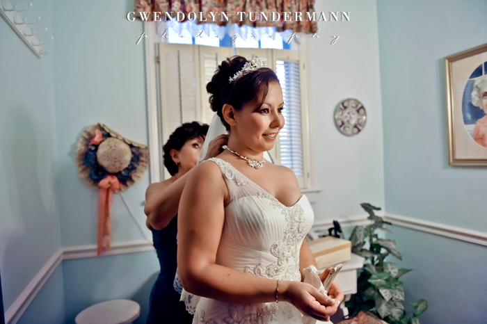 Orange-Park-Womans-Club-Wedding-Photos-02.jpg