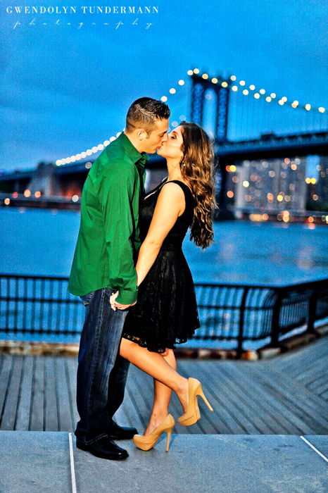 Brooklyn-Bridge-Engagement-Photos-20