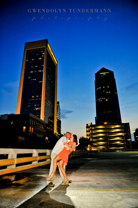 Downtown-Jacksonville-Engagement-Photos