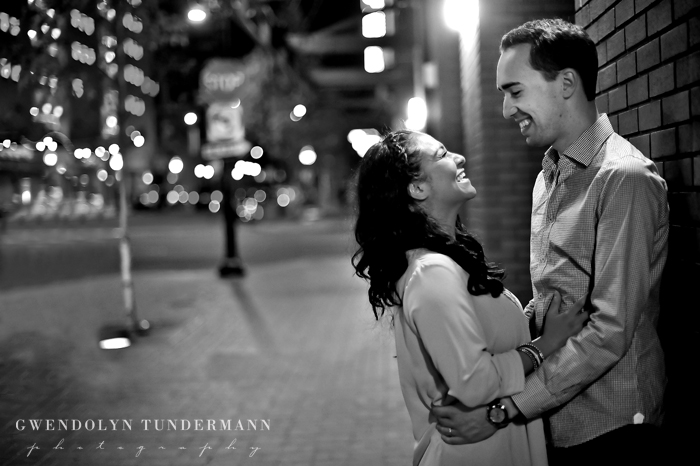 Downtown-San-Diego-Engagement-Photos-Gaslamp