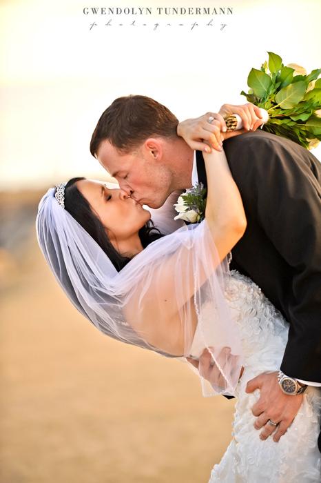 Del-Mar-Beach-Resort-Pendleton-Wedding-Photos-02