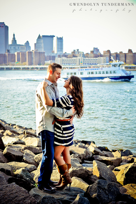 Brooklyn-Bridge-Engagement-Photos-06