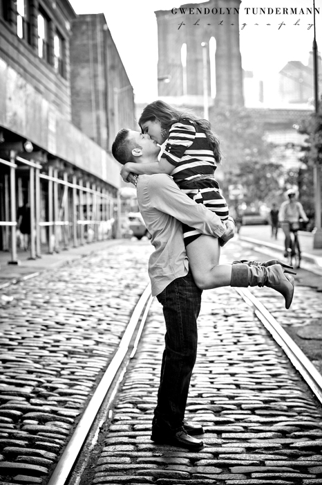 Brooklyn-Bridge-Engagement-Photos-07