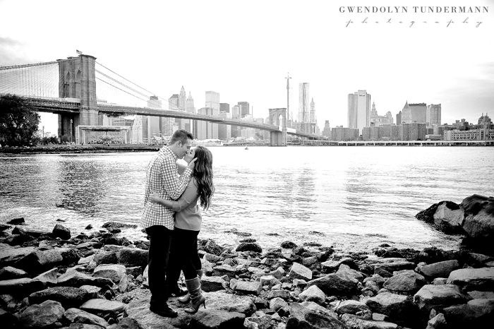 Brooklyn-Bridge-Engagement-Photos-14