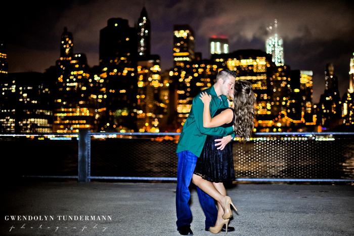 Brooklyn-Bridge-Engagement-Photos-23