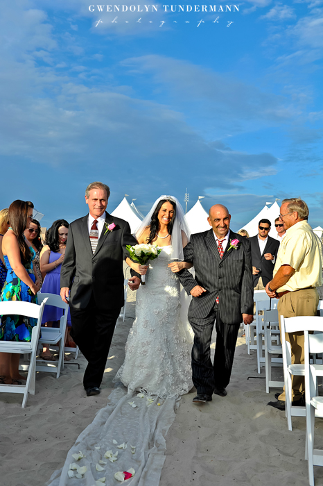 Del-Mar-Beach-Resort-Pendleton-Wedding-Photos-09