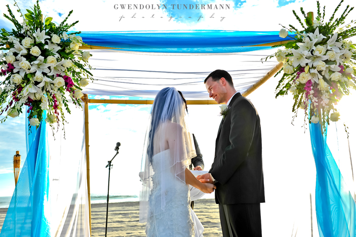 Del-Mar-Beach-Resort-Pendleton-Wedding-Photos-15