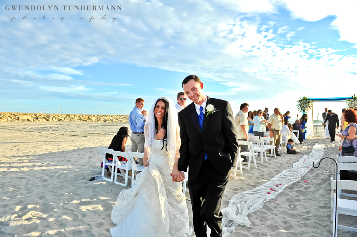 Del-Mar-Beach-Resort-Pendleton-Wedding-Photos-17