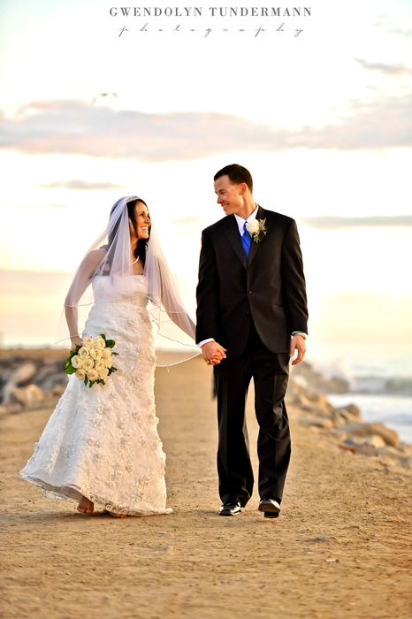 Del-Mar-Beach-Resort-Pendleton-Wedding-Photos-21